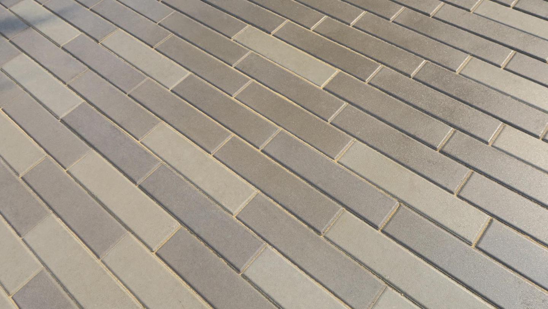 บล็อกปูพื้น เอสซีจี รุ่น ศิลาเหลี่ยม ขนาด 10x40x6 ซม. ดำ - SCG Building  Materials