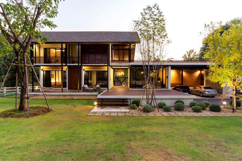 ออกแบบบ้านสองชั้นสไตล์โมเดิร์นทรอปิคอลที่เขาใหญ่