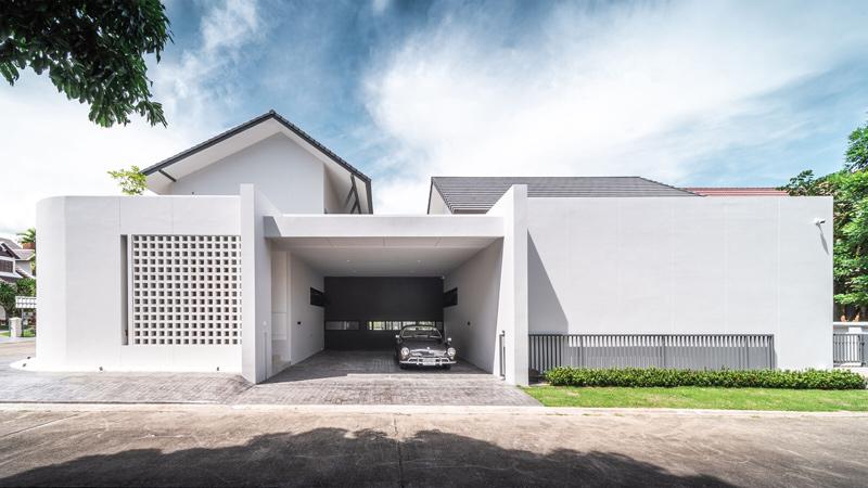 ออกแบบบ้านสองชั้น ปิดทึบด้านหน้า รักษาความเป็นส่วนตัว